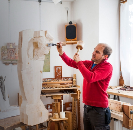 Wood carver Filip Piccolruaz